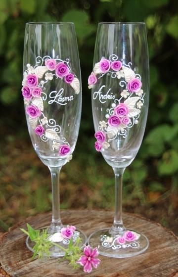 Lillā rozītes.