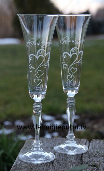 Wedding glasses hand engraving.
