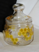 Medus pods ar mazajām bitēm.
